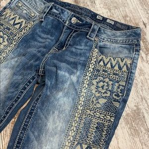 Miss Me embroidered signature cuffed skinny jeans